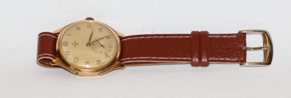 1a0f4ceedb9 Omega - antigo relógio com caixa em ouro 18 kts