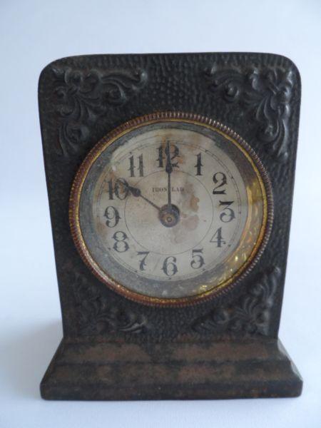 0cb6fdb65551 Relógio despertador em metal