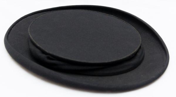 abc282b677236 Lote contendo 1 touca de lã preta com franjas d paetês
