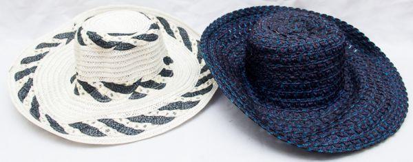 8999916151e8c Lote contendo 2 chapéus de rafia sendo 1 branco e preto e 1 azul marinho