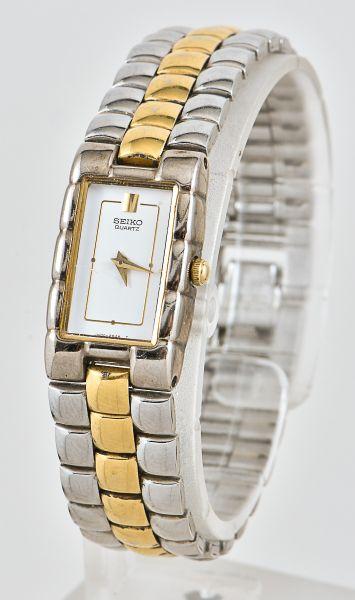 bf262ca1305 Relógio feminino da marca seiko em aço dourado