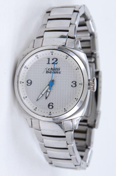 2a9fcc3097b Relógio de pulso CHILI BEANS em aço