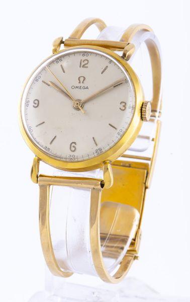 e00197881e4 Relógio de pulso masculino em ouro 18 k contrastado da década de 50 da  marca